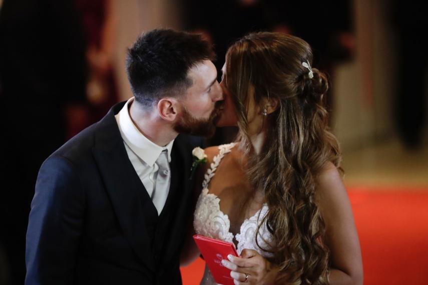 lionel-messi-e-antonella-roccuzzo-se-casam-em-cerimonia-na-argentina-1498868166296_1920x1279
